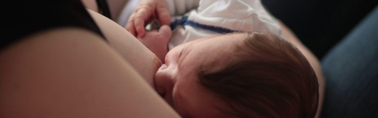 Se faire aider pour le démarrage de l'allaitement